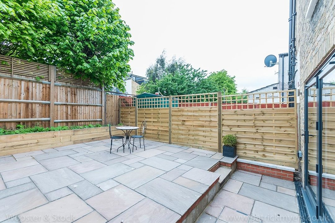 House - Terraced Sold in Henslowe Road, SE22 83 view18