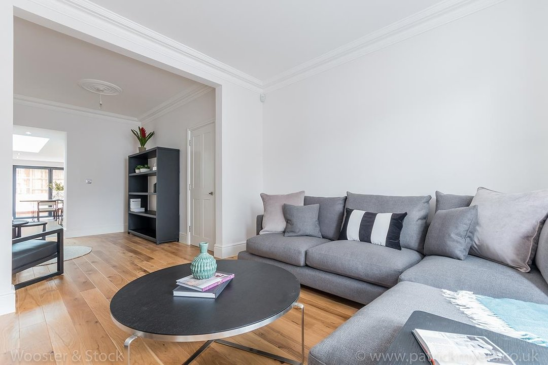House - Terraced Sold in Henslowe Road, SE22 83 view11