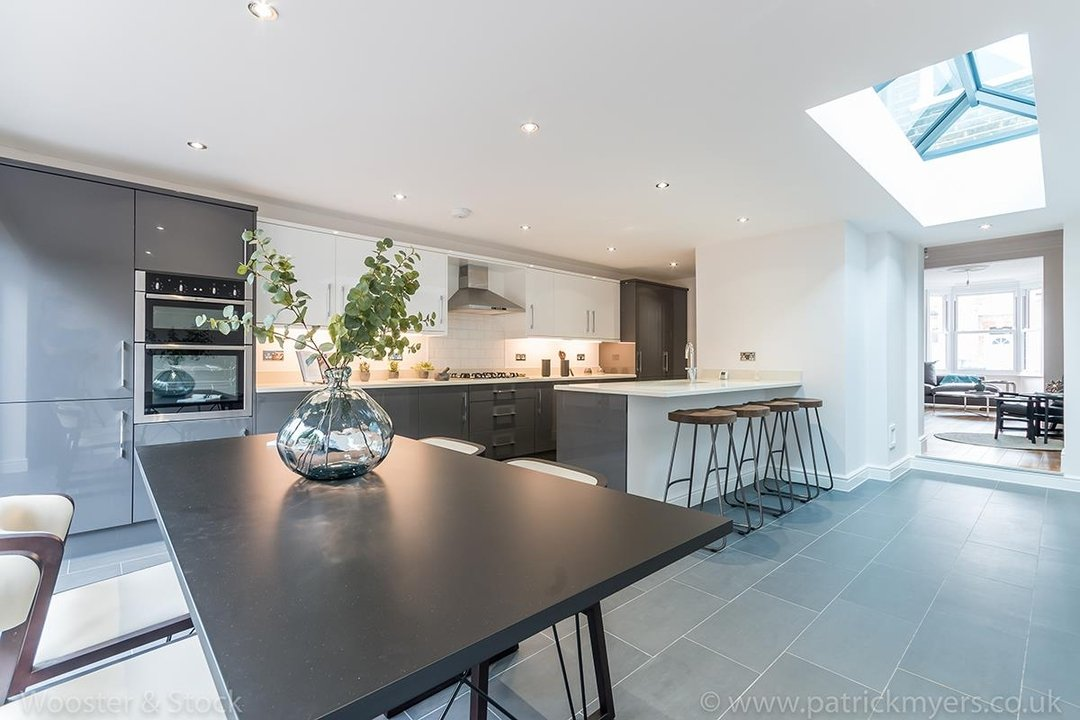 House - Terraced Sold in Henslowe Road, SE22 83 view2