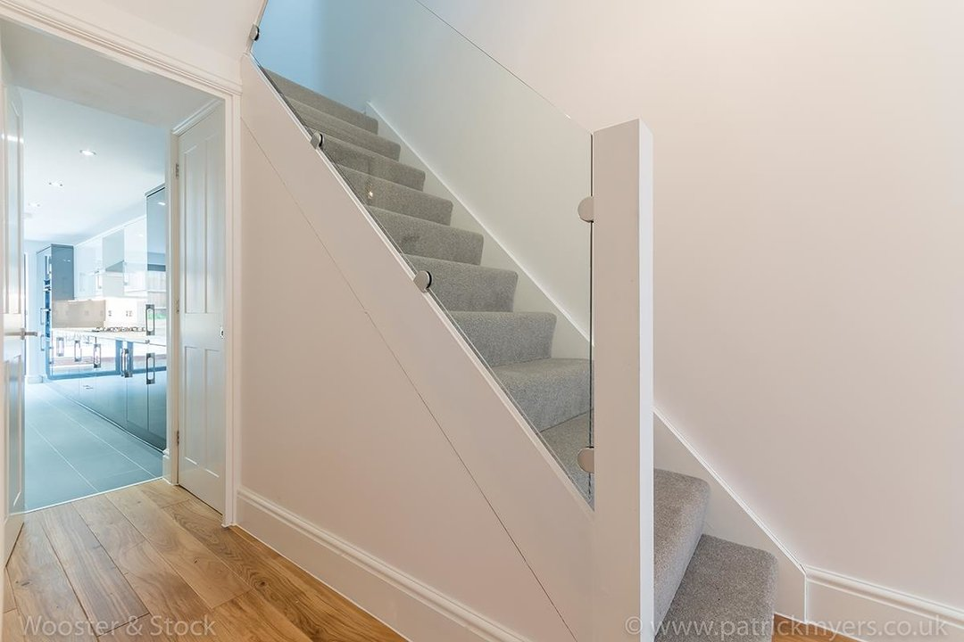 House - Terraced Sold in Henslowe Road, SE22 83 view16