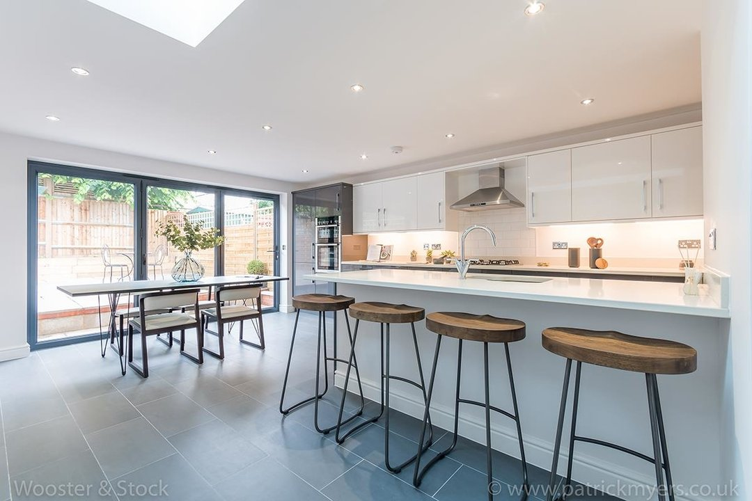 House - Terraced Sold in Henslowe Road, SE22 83 view5