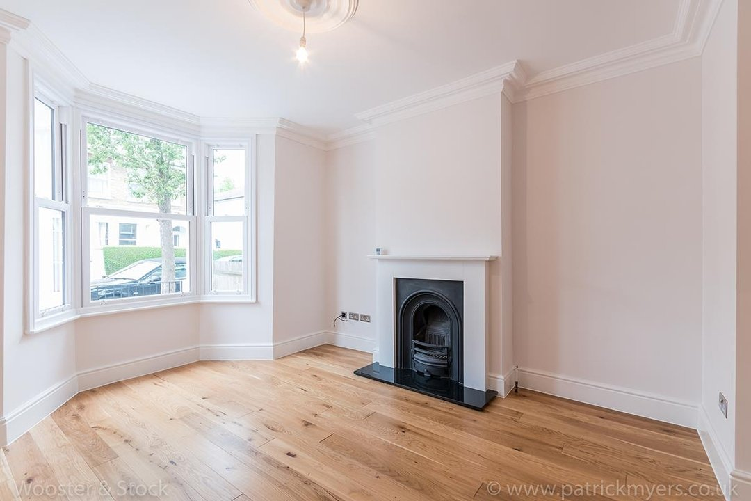 House - Terraced Sold in Henslowe Road, SE22 83 view12