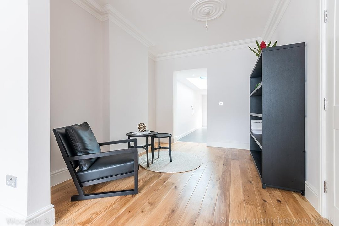 House - Terraced Sold in Henslowe Road, SE22 83 view9