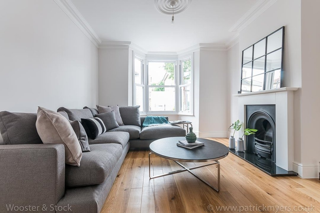 House - Terraced Sold in Henslowe Road, SE22 83 view6