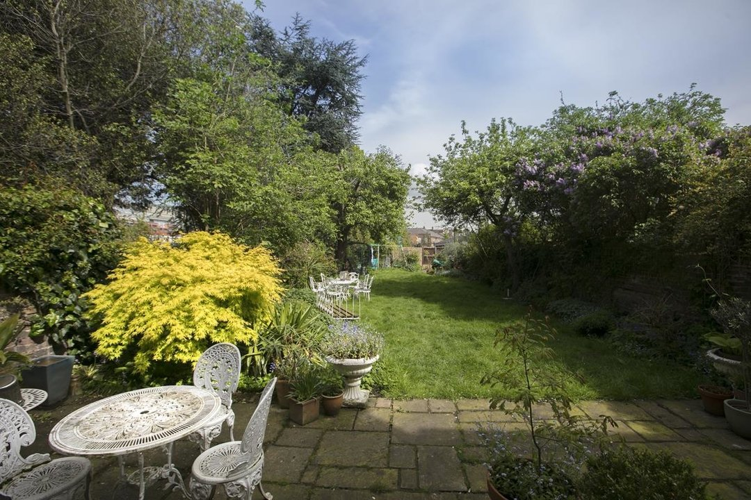 House - Semi-Detached For Sale in Highshore Road, SE15 318 view20