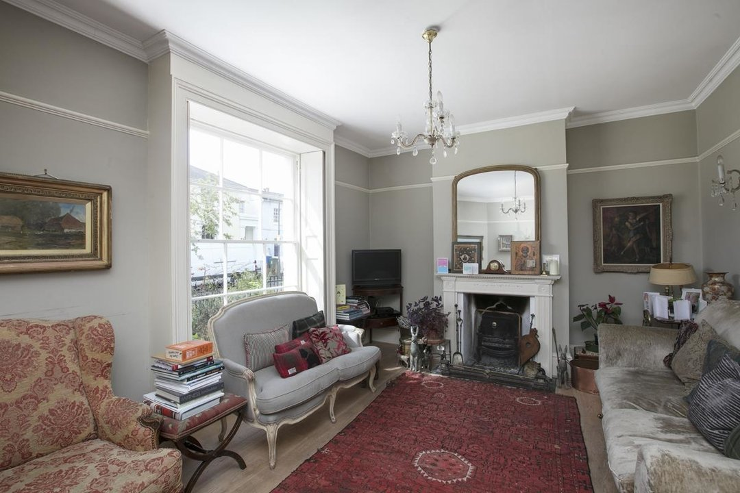 House - Semi-Detached For Sale in Highshore Road, SE15 318 view2
