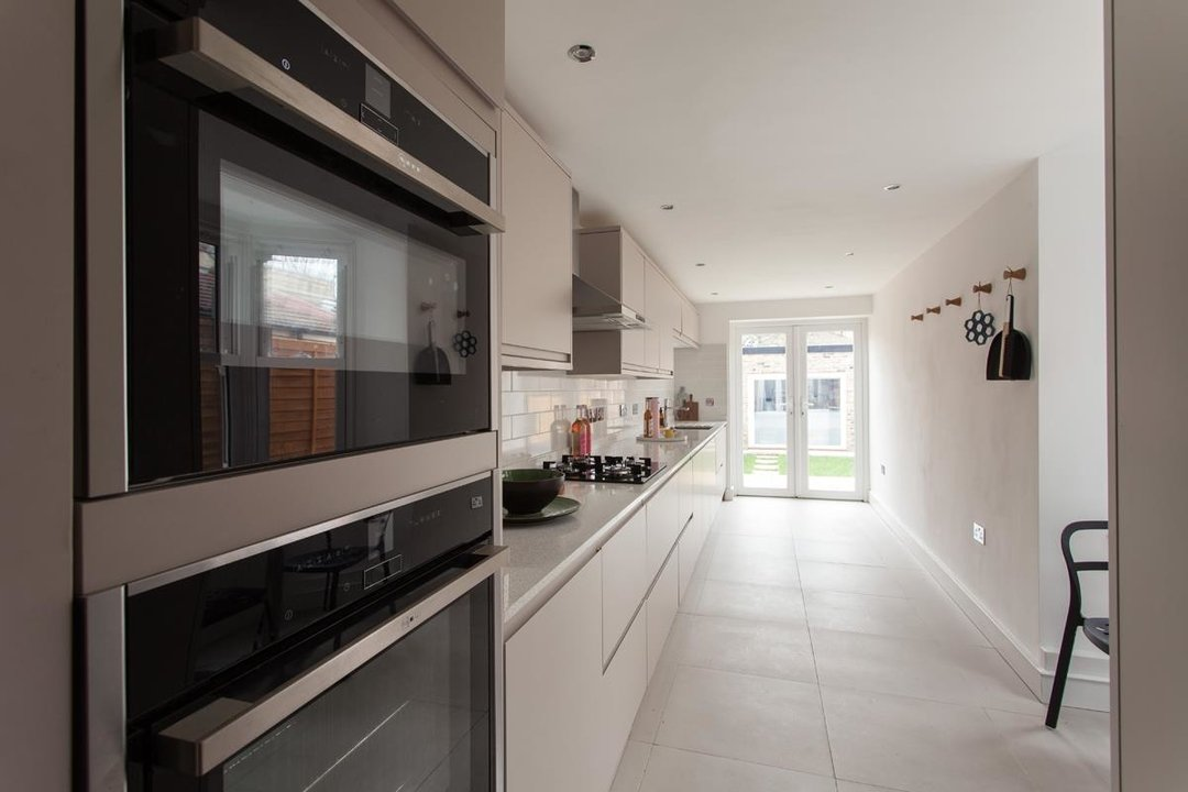 House - Terraced For Sale in Hollydale Road, SE15 340 view6