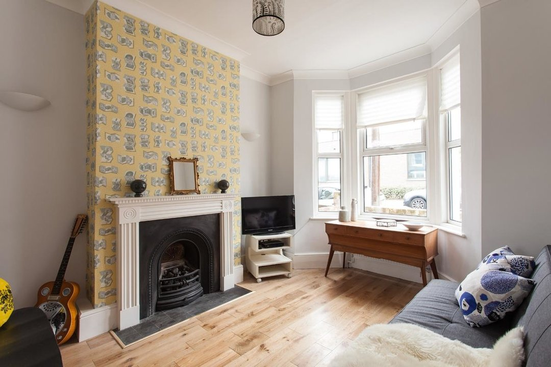 House - Terraced For Sale in Hollydale Road, SE15 340 view3