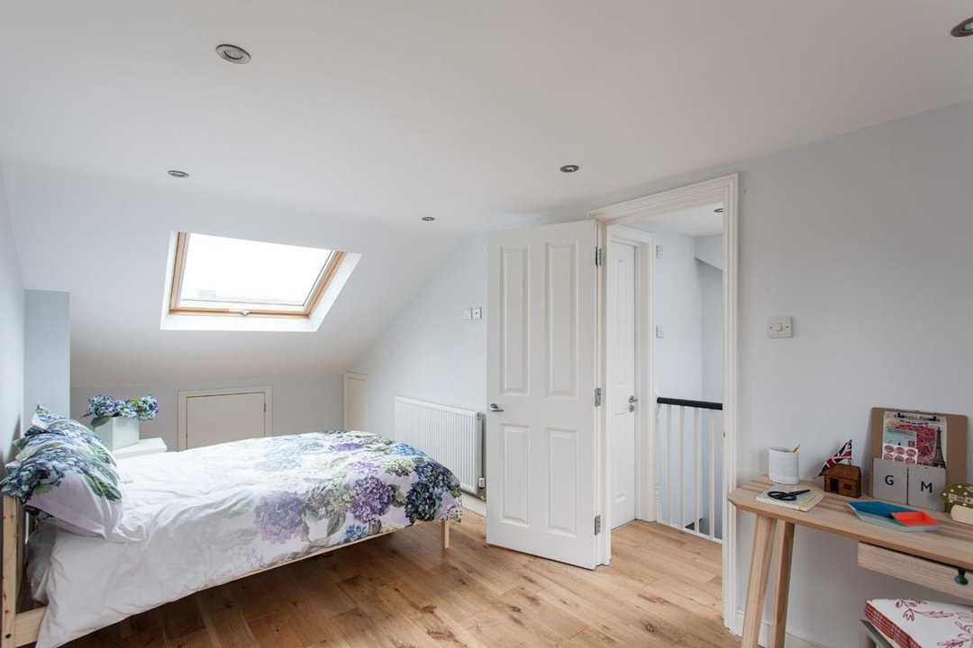 House - Terraced For Sale in Hollydale Road, SE15 340 view16