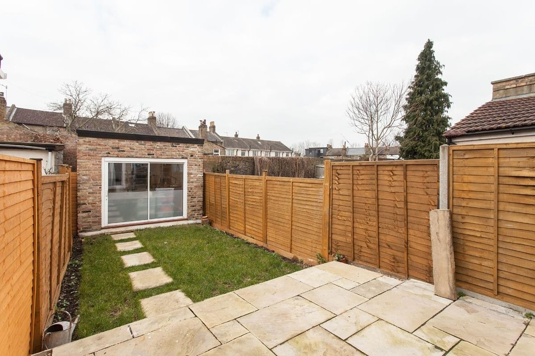 House - Terraced For Sale in Hollydale Road, SE15 340 view20