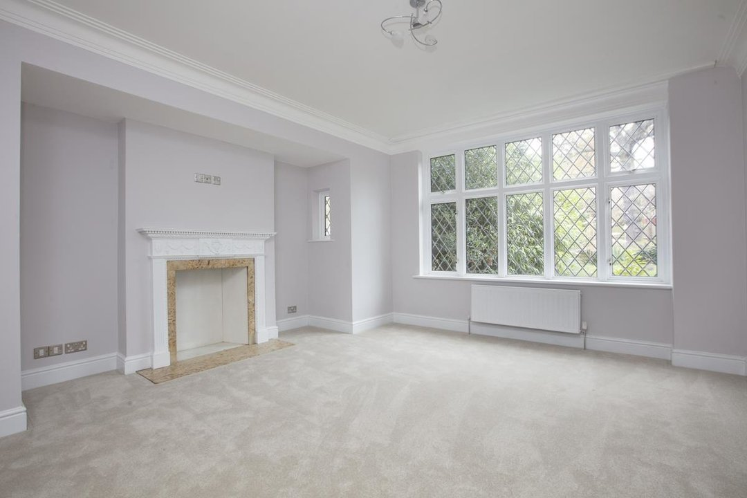House - Detached For Sale in Inglemere Road, SE23 238 view2