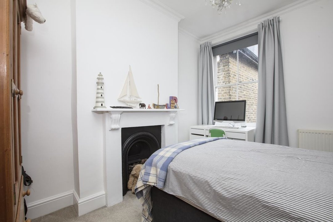House - End Terrace For Sale in Ivanhoe Road, SE5 281 view16