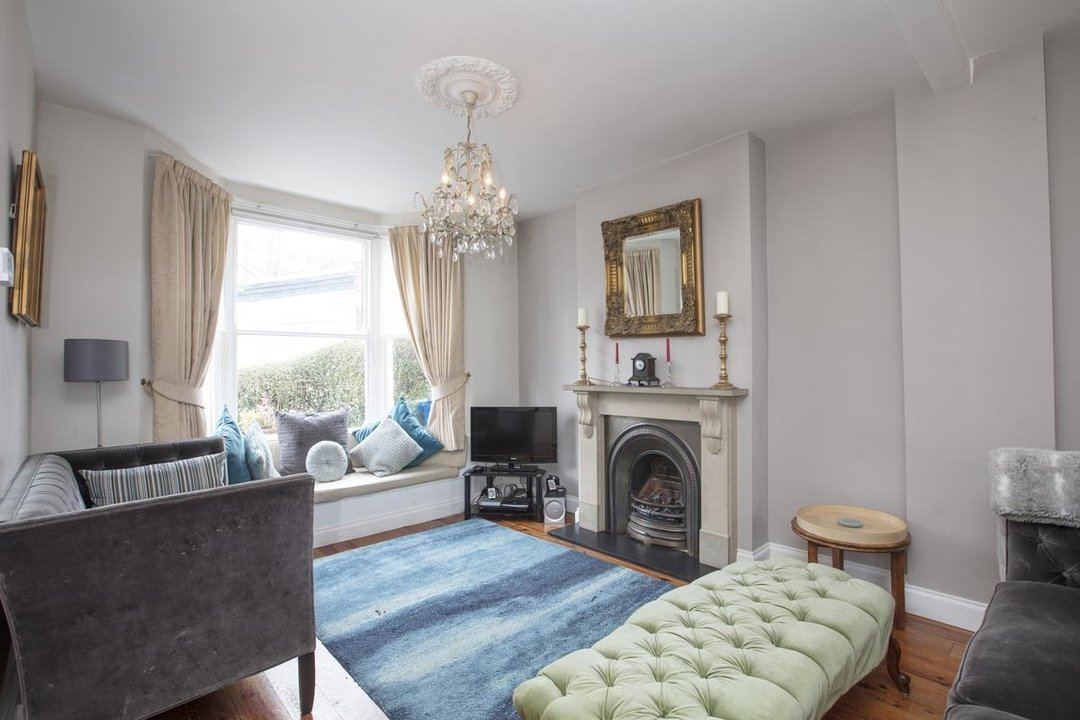 House - End Terrace For Sale in Ivanhoe Road, SE5 281 view2