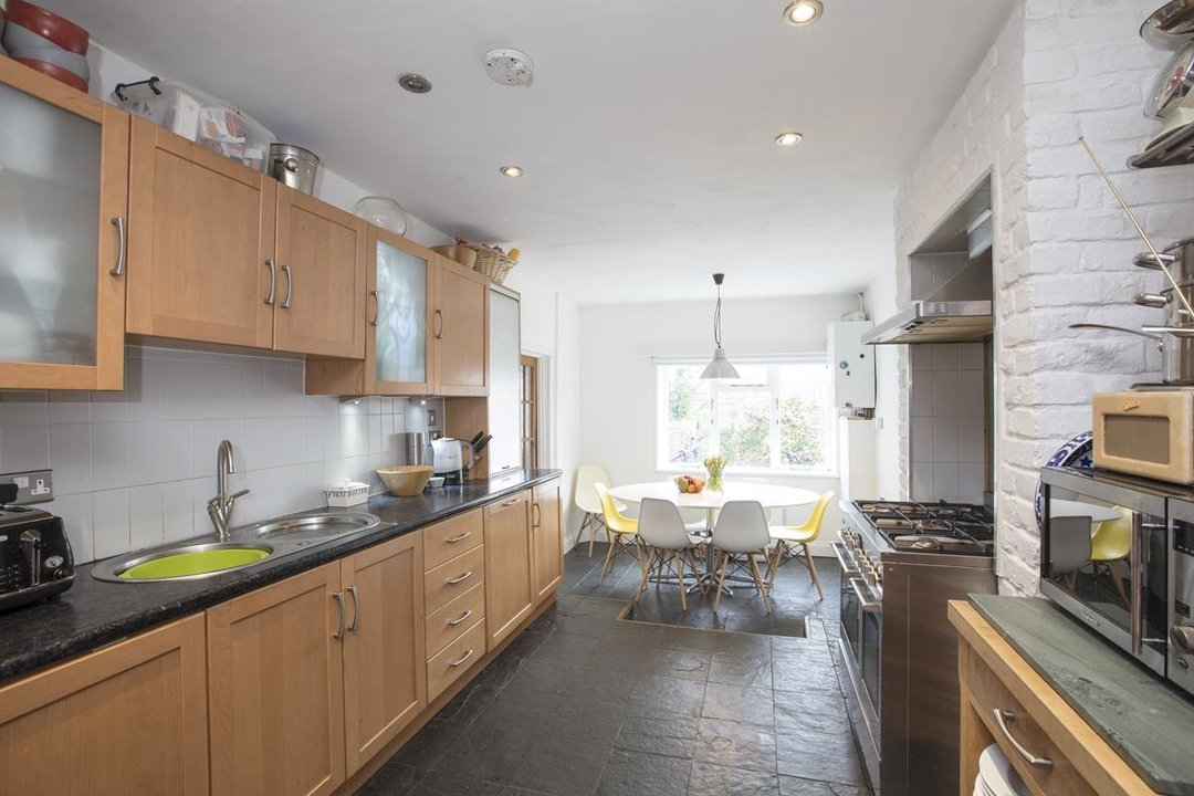 House - End Terrace For Sale in Ivanhoe Road, SE5 281 view3