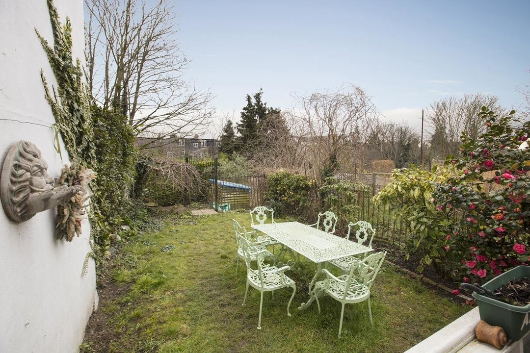 House - End Terrace For Sale in Ivanhoe Road, SE5 281 view7