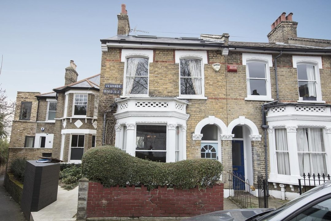 House - End Terrace For Sale in Ivanhoe Road, SE5 281 view1