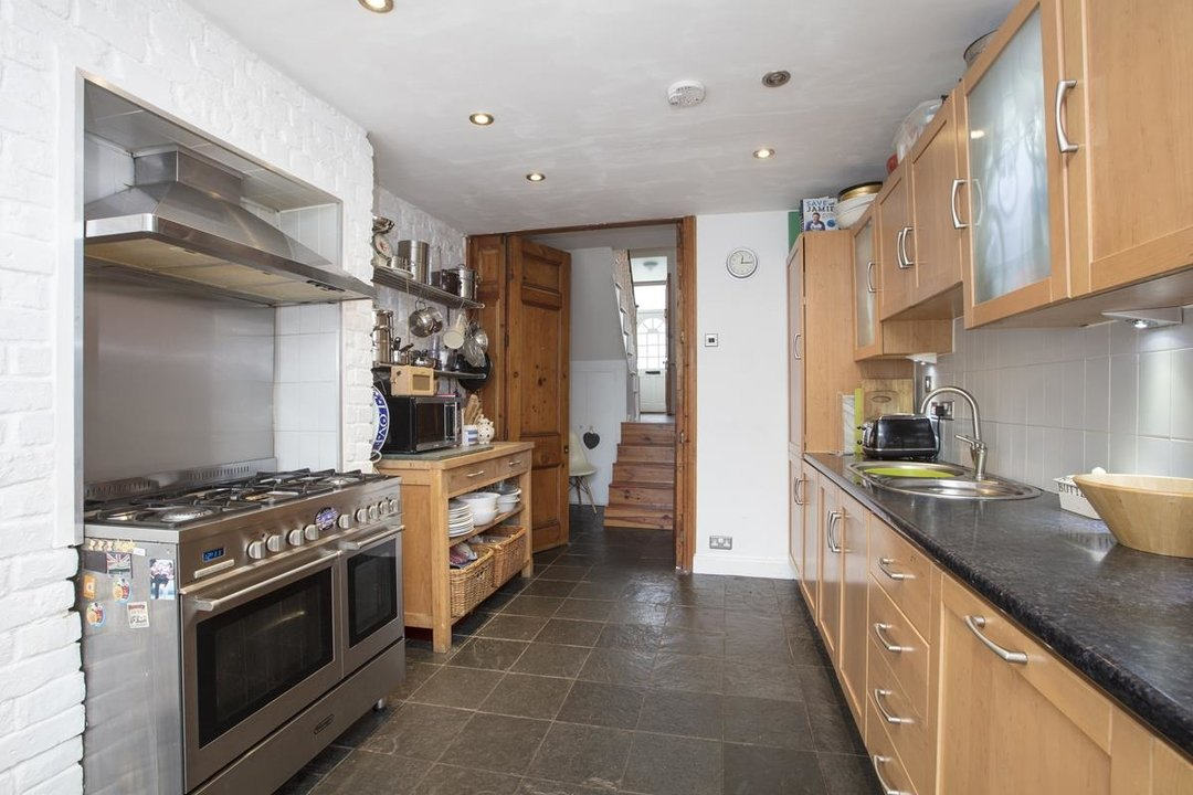 House - End Terrace For Sale in Ivanhoe Road, SE5 281 view5