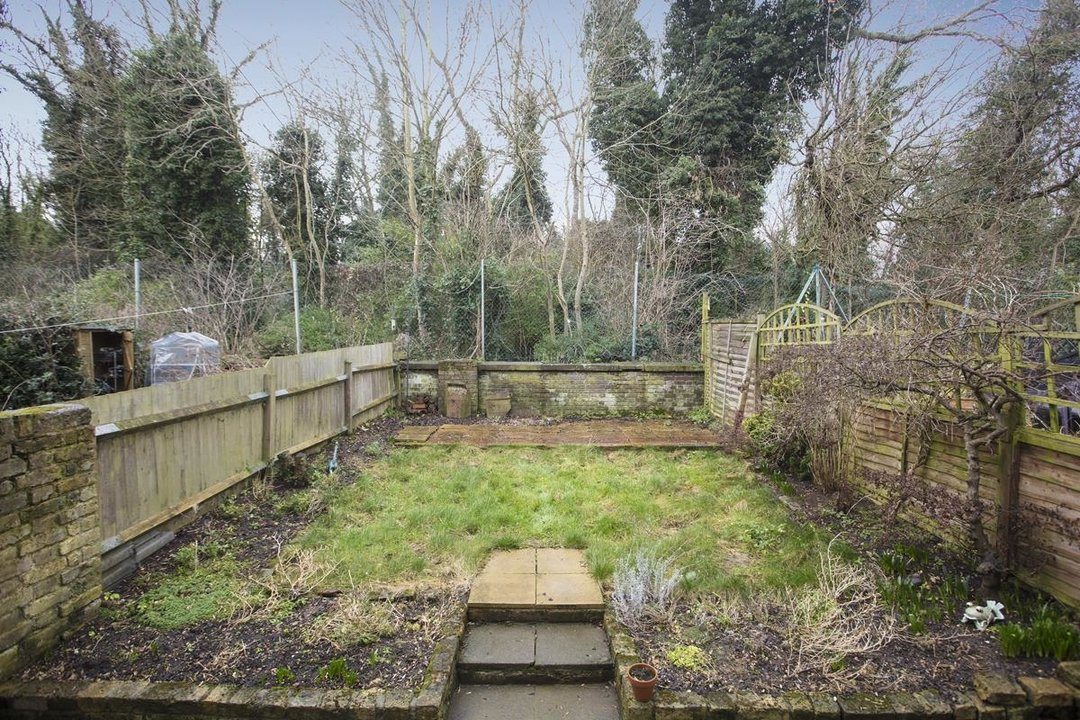 House - Terraced Sale Agreed in Ivydale Road, SE15 252 view17