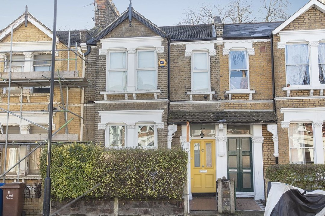 House - Terraced Sale Agreed in Ivydale Road, SE15 252 view1