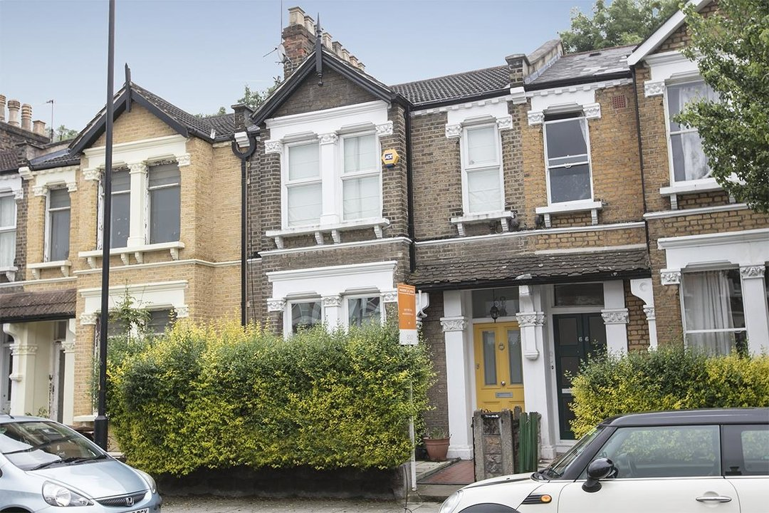 House - Terraced Sold in Ivydale Road, SE15 252 view1