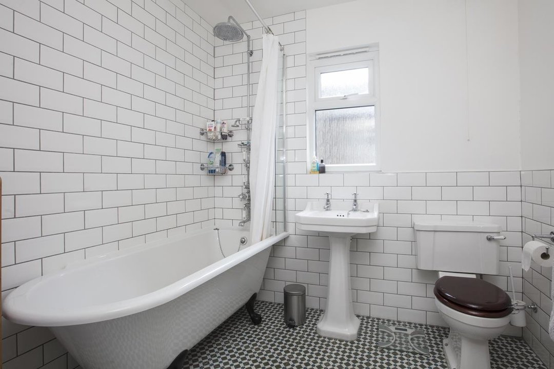 House - Terraced Sold in Ivydale Road, SE15 252 view11