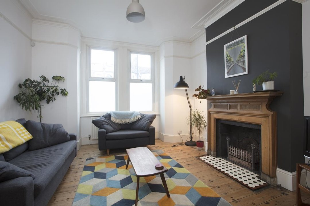 House - Terraced Sale Agreed in Ivydale Road, SE15 252 view2