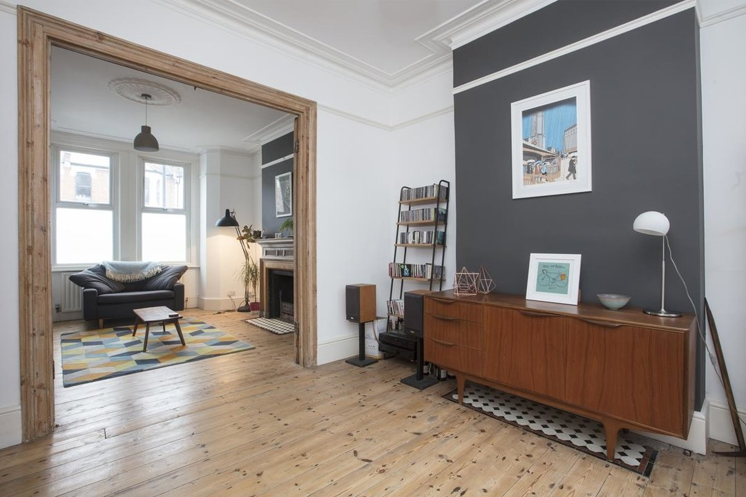 House - Terraced Sale Agreed in Ivydale Road, SE15 252 view3