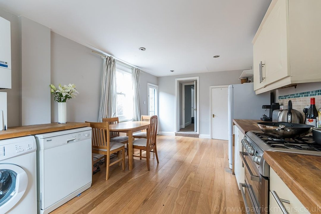 House - End Terrace Sale Agreed in Kenbury Street, SE5 39 view6