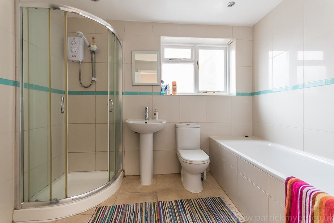 House - End Terrace Sale Agreed in Kenbury Street, SE5 39 view10