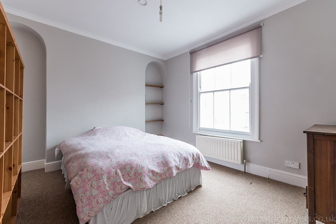 House - End Terrace Sale Agreed in Kenbury Street, SE5 39 view12