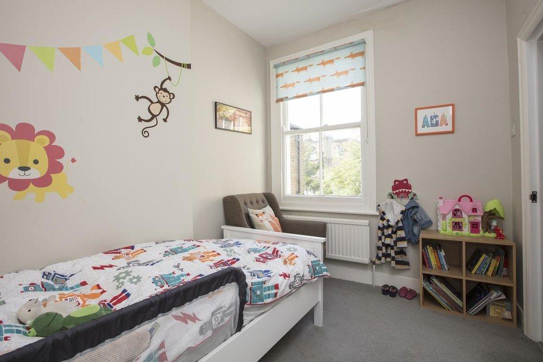House - Terraced Sold in Kinsale Road, SE15 232 view8