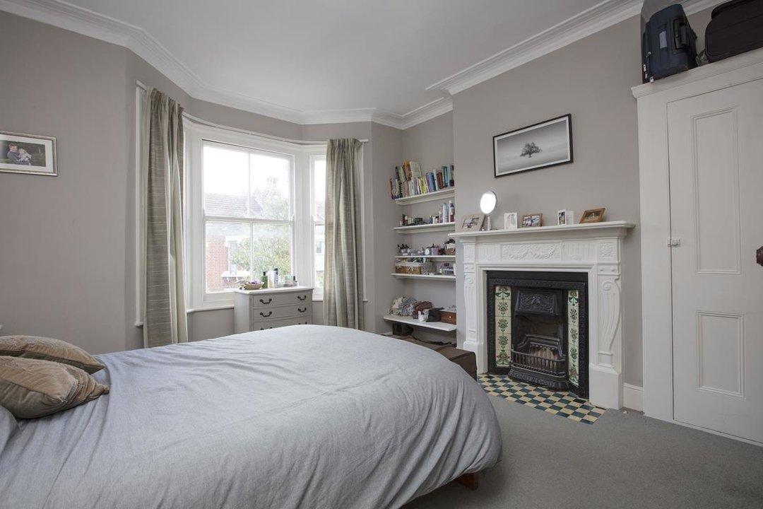 House - Terraced Sold in Kinsale Road, SE15 232 view9