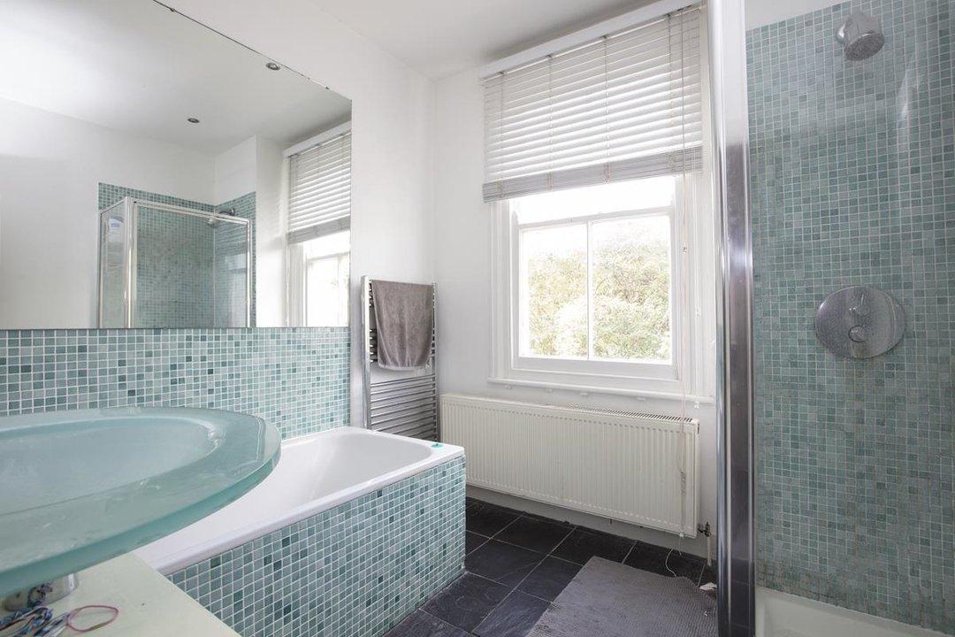 House - Terraced Sold in Kinsale Road, SE15 232 view6