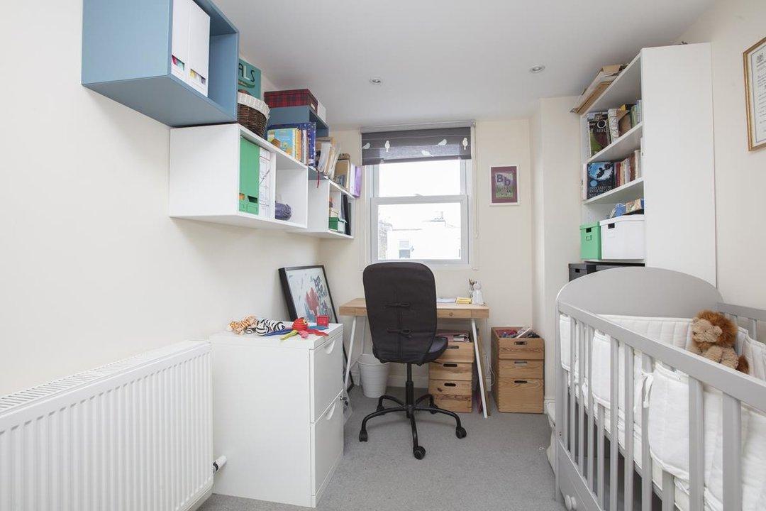House - Terraced Sold in Kinsale Road, SE15 232 view15