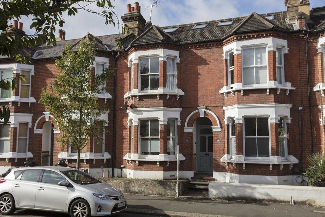 House - Terraced Sold in Kinsale Road, SE15 232 view1