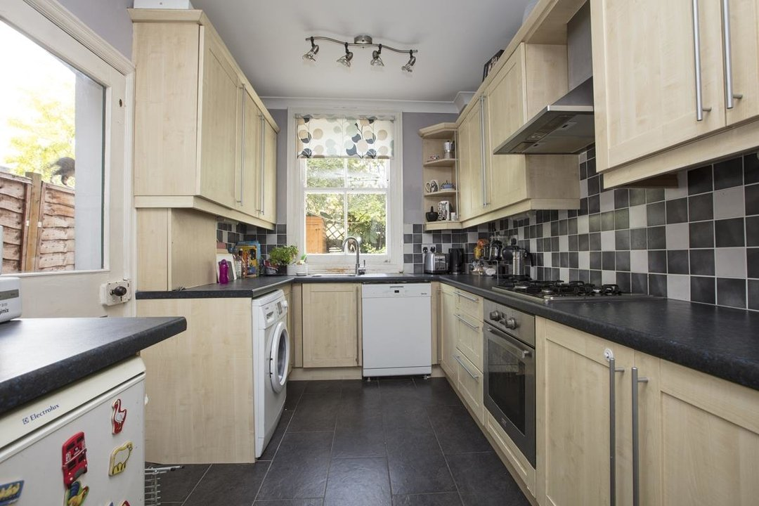 House - Terraced Sold in Kinsale Road, SE15 232 view4