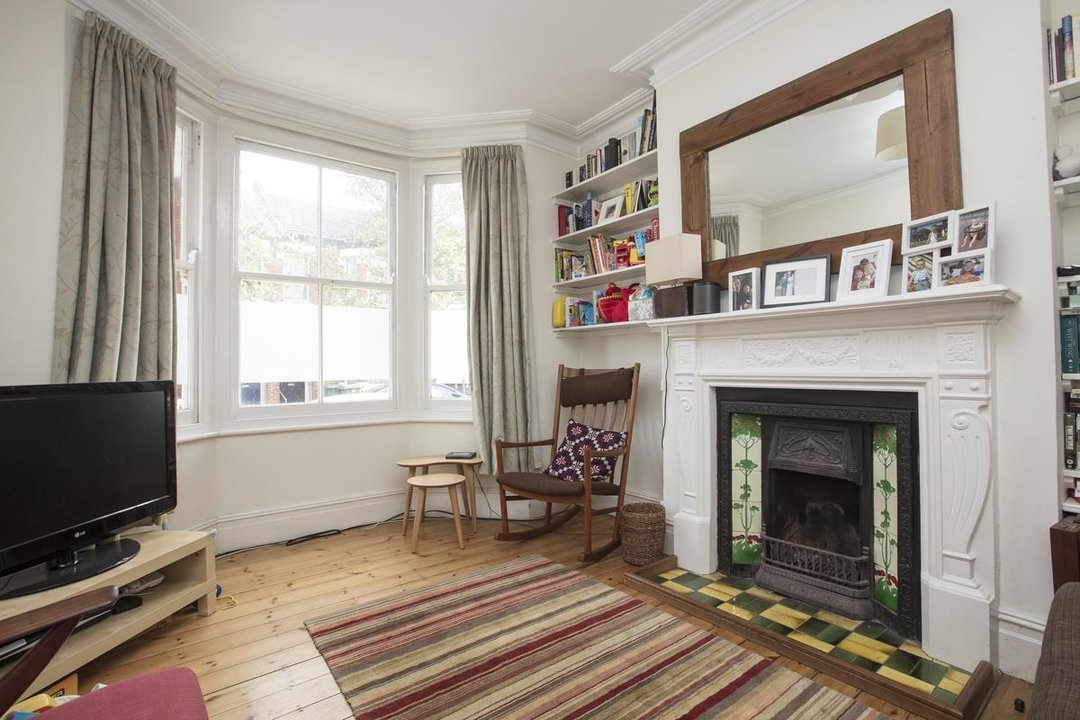 House - Terraced Sold in Kinsale Road, SE15 232 view2