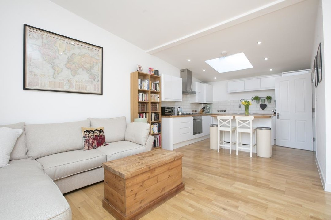 House - Detached For Sale in Kirkwood Road, SE15 255 view3