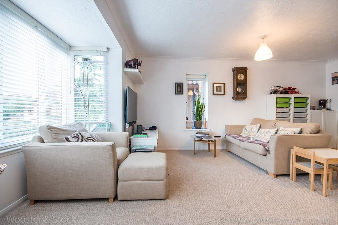 Flat - Conversion For Sale in Linwood Close, SE5 132 view5