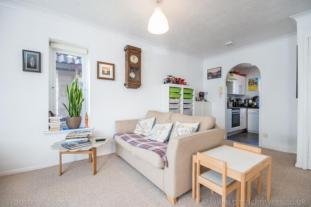 Flat - Conversion For Sale in Linwood Close, SE5 132 view6