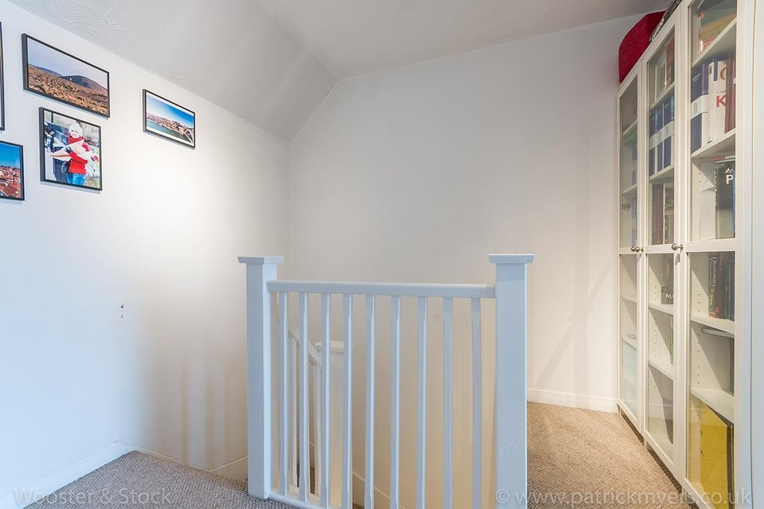 Flat - Conversion For Sale in Linwood Close, SE5 132 view9