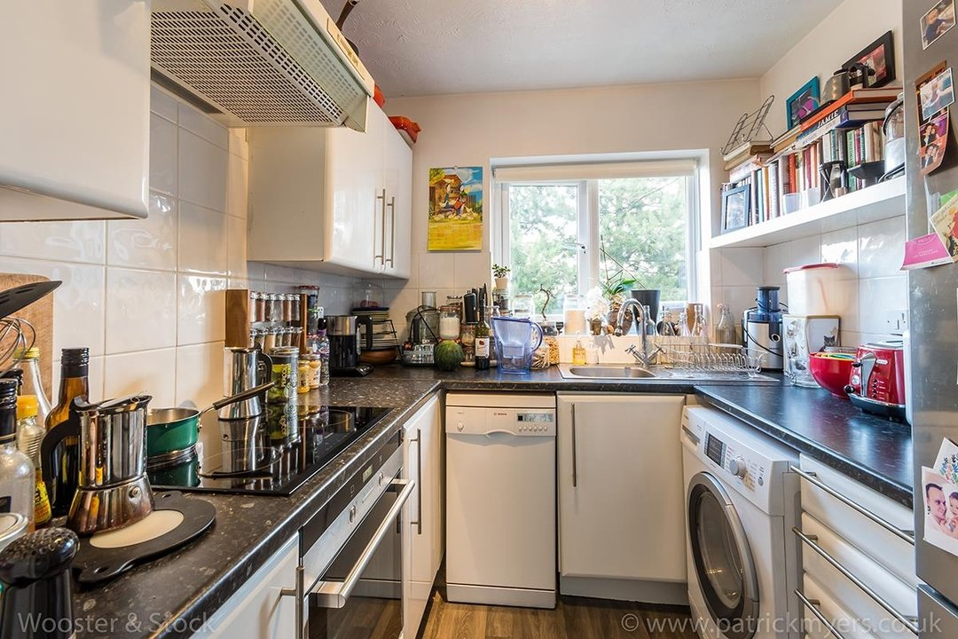 Flat - Conversion For Sale in Linwood Close, SE5 132 view3