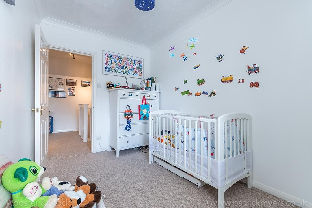 Flat - Conversion For Sale in Linwood Close, SE5 132 view11