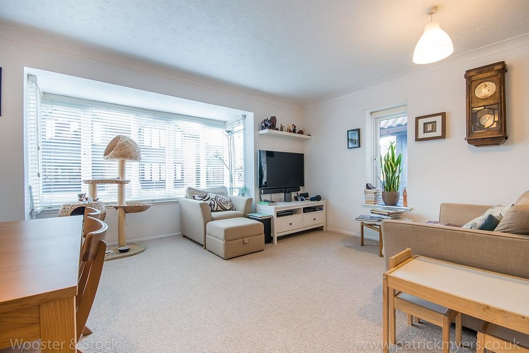 Flat - Conversion For Sale in Linwood Close, SE5 132 view4