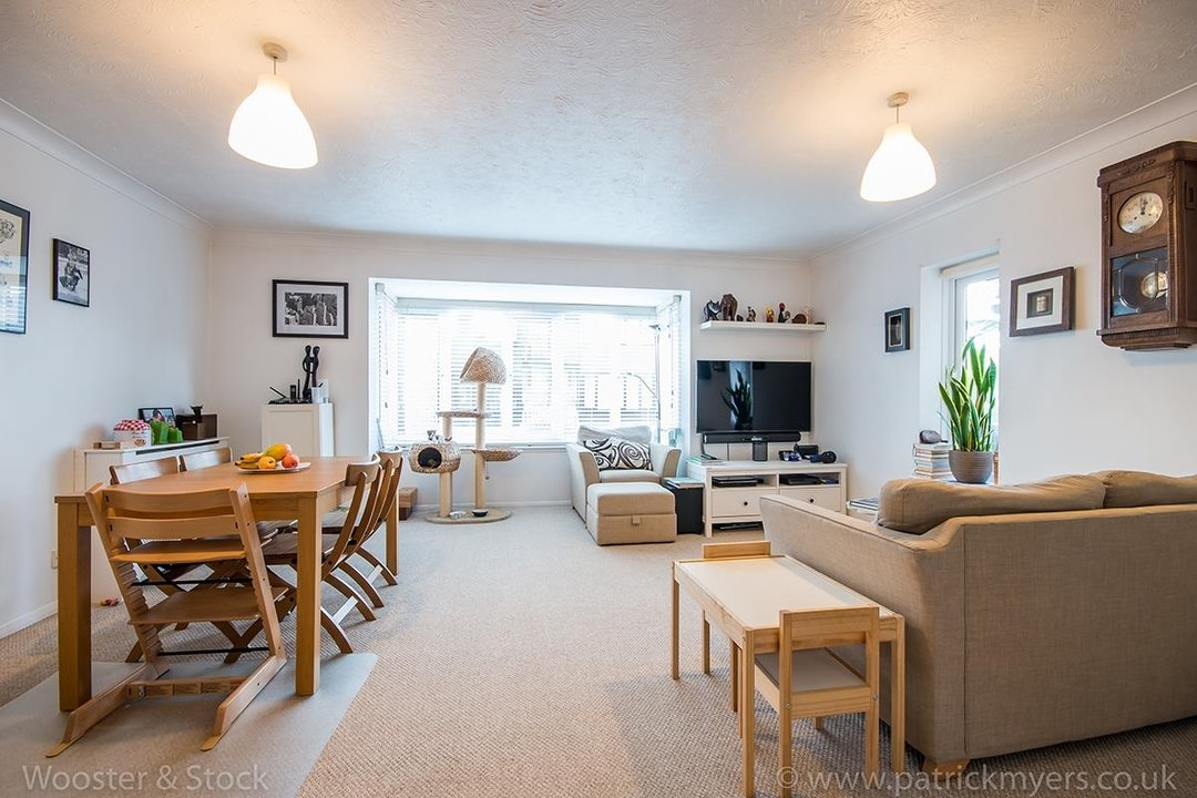 Flat - Conversion For Sale in Linwood Close, SE5 132 view1