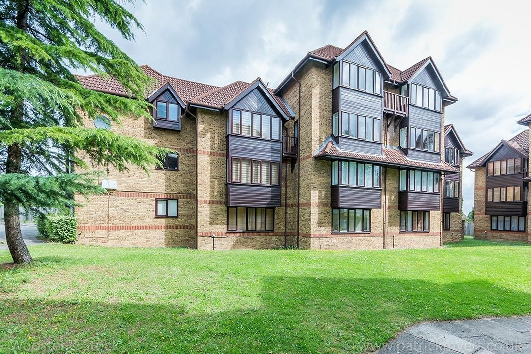 Flat - Conversion For Sale in Linwood Close, SE5 132 view2