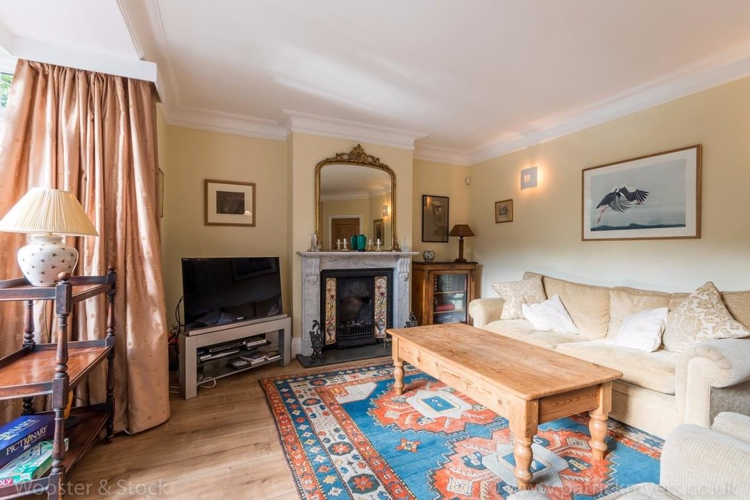 House - Terraced For Sale in Longton Avenue, SE26 174 view6