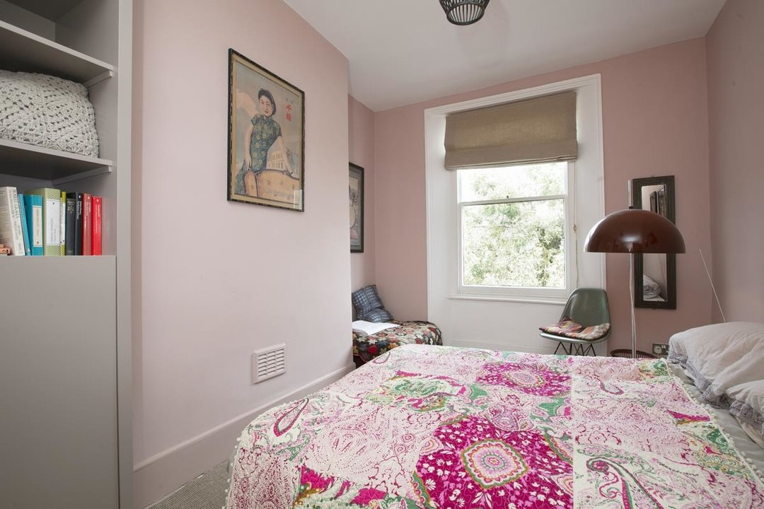 House - Terraced For Sale in Lyndhurst Grove, SE15 320 view15