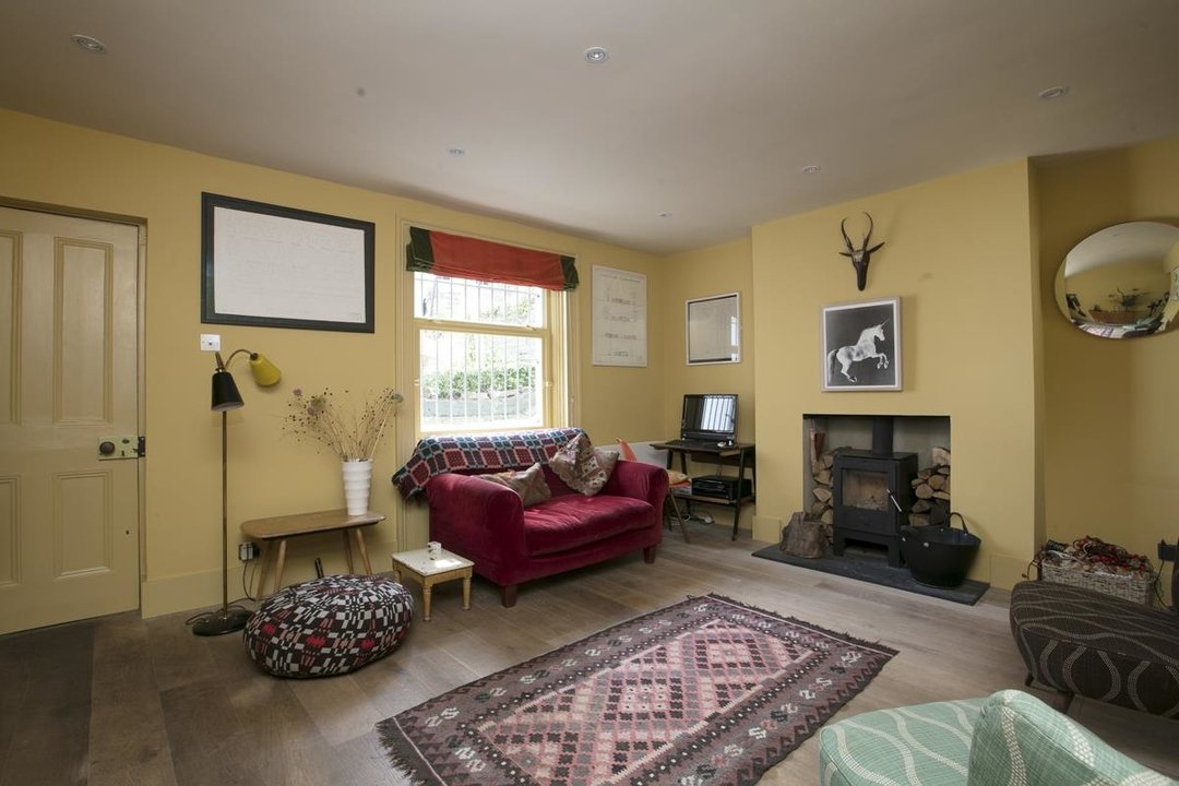 House - Terraced For Sale in Lyndhurst Grove, SE15 320 view10