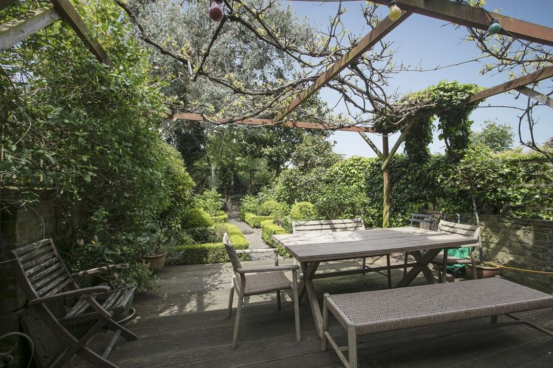 House - Terraced For Sale in Lyndhurst Grove, SE15 320 view31